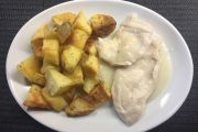 Scaloppine al vino bianco con patate arrosto
